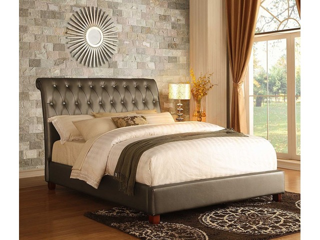 Luxury upholstered bed   FreeAds.info