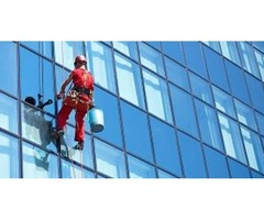 One of the Best Window Washer Service Company in UK