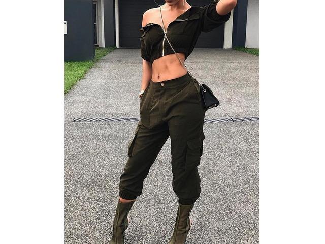 Fashion Zipper Crop Top And Pocket Capri Pants Set | free-classifieds.co.uk