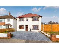 Three double bedroom BESPOKE detached house situated