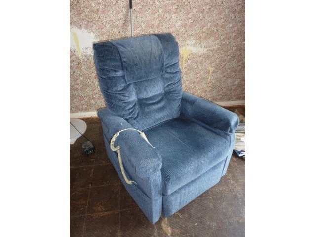 rise and recline chair | free-classifieds.co.uk